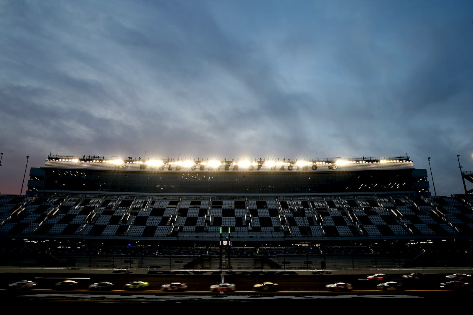 Read more about the article Bubble battle packs Playoff punch at Daytona